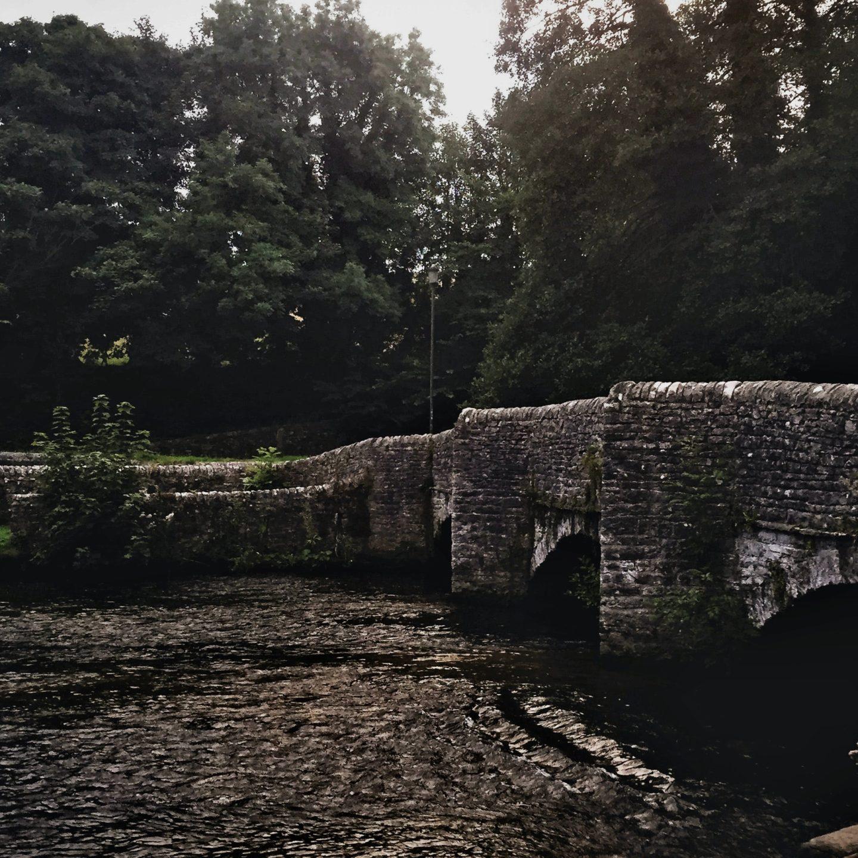 Road-trip dans l'Angleterre du XIVe siècle avec Karen Maitland
